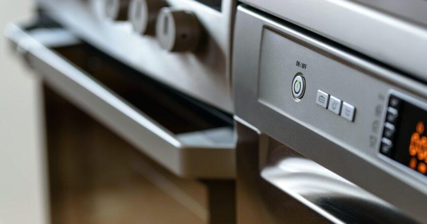 Rengøring af ovn med citron? Sådan gør du, og derfor virker det