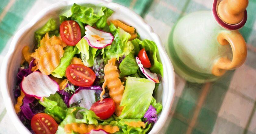 Syrlig salat: 5 tips til syrlige salater